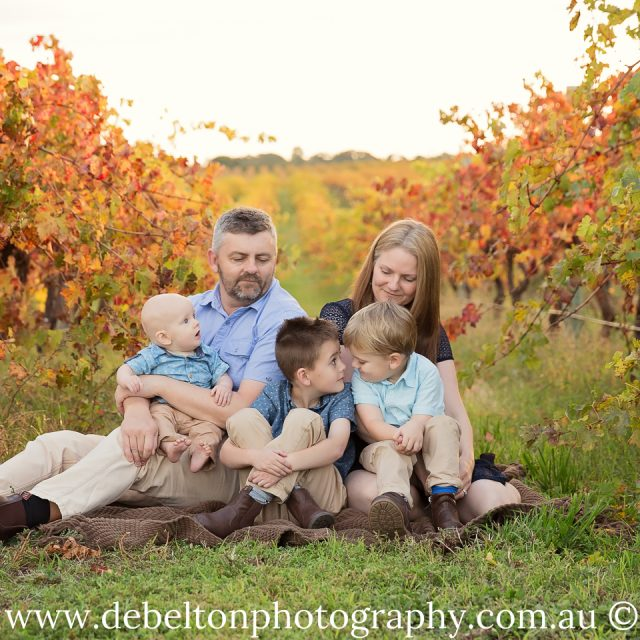 Autumn Bliss – Family Portraits in the vines