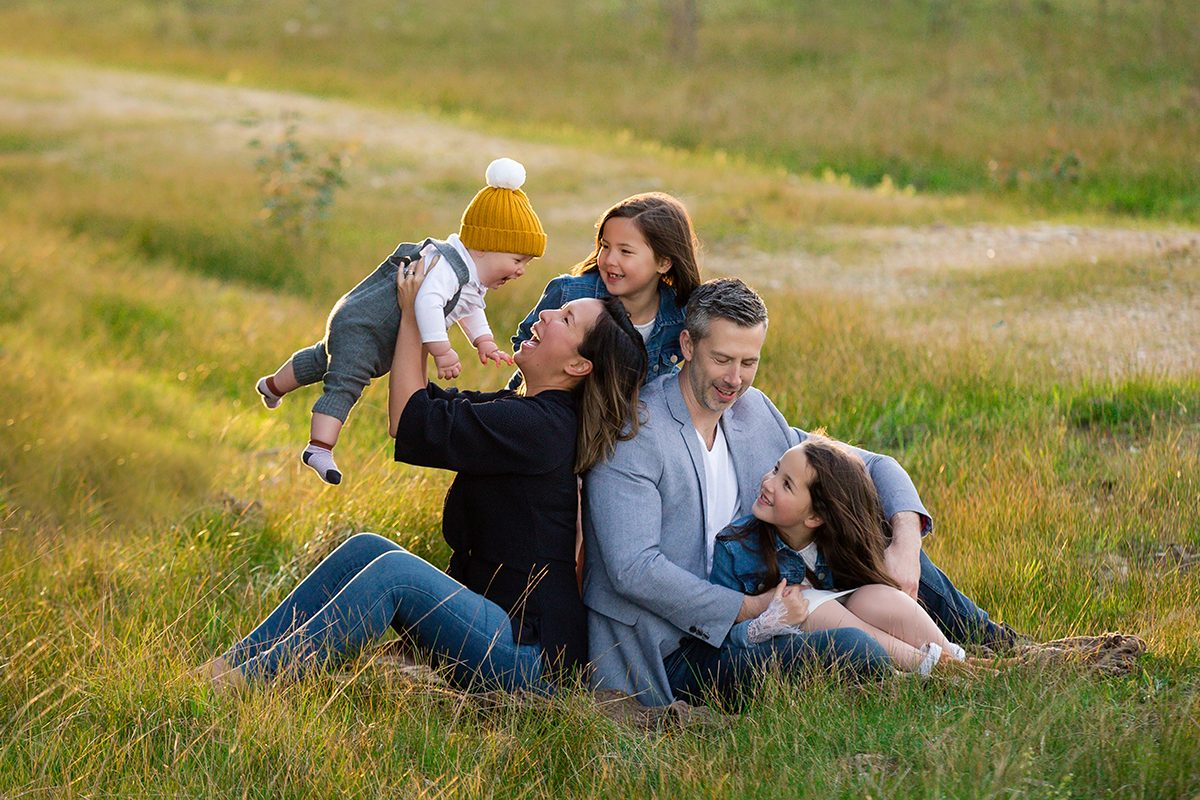 family+cuddles+photos+field by deb elton family photography